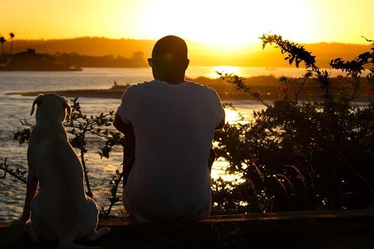 Assistindo o pôr do sol no Mirante do Xaréu